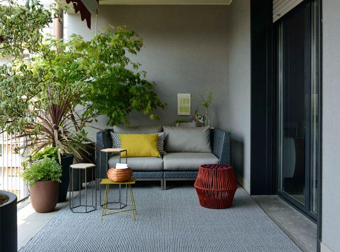 Arredamento in design industriale per balcone