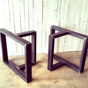 Coppia di gambe in ferro per tavolo Statua della libertà