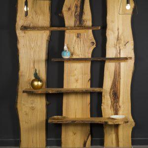 Libreria da parete in legno di castagno taglio tronco Montale