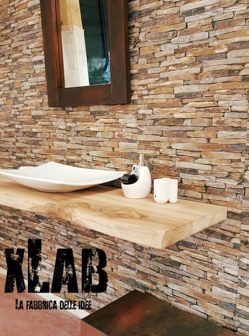 Mensola bagno per lavabo Kimberly realizzata in legno massello di castagno