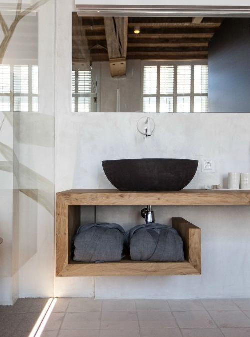 Mensola bagno in legno massello con ripiano portasciugamani
