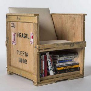 Poltrona vintage in legno massello cassa Cargo