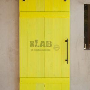 Porta scorrevole Barn Doors gialla stile vintage Fanny