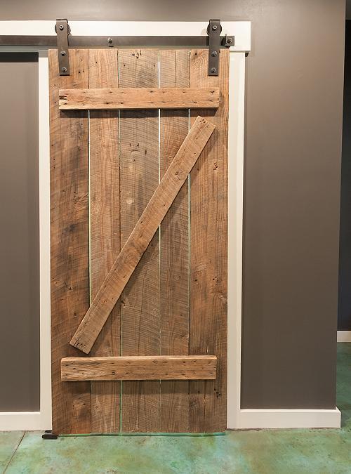 Porta scorrevole su misura in legno stile fienile effetto vintage