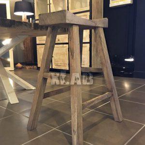 Sgabello alto in legno Barry