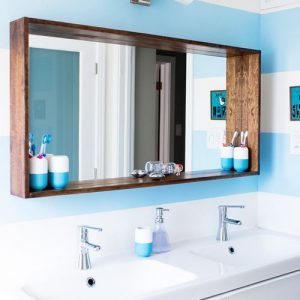 Specchio da bagno cornice mensola in legno Atena