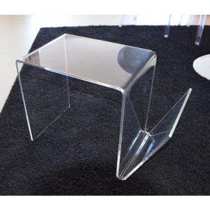 Tavolino in plexiglass con portariviste Kio