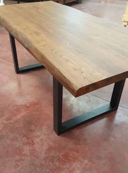 Tavolo da cucina in massello di noce caldo scott xlab for Tavolo da cucina legno