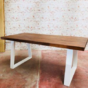 Tavolo da pranzo moderno di design Clark