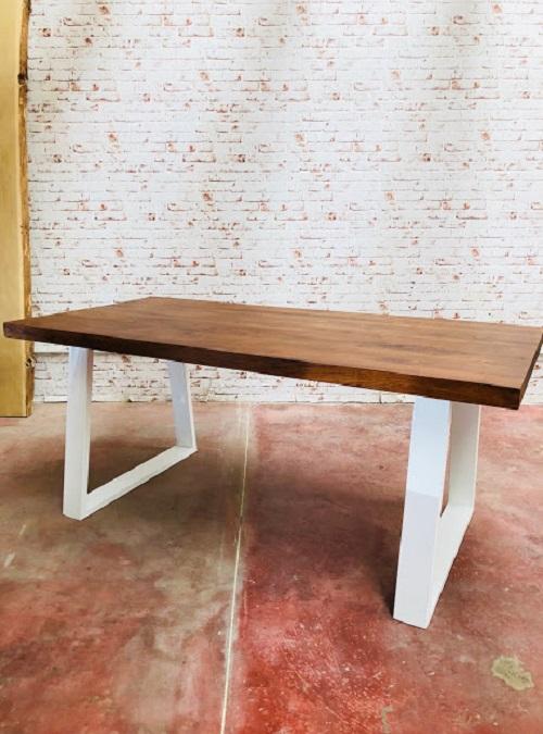 Acquista tavolo da pranzo design moderno 30 di sconto for Tavolo legno moderno design