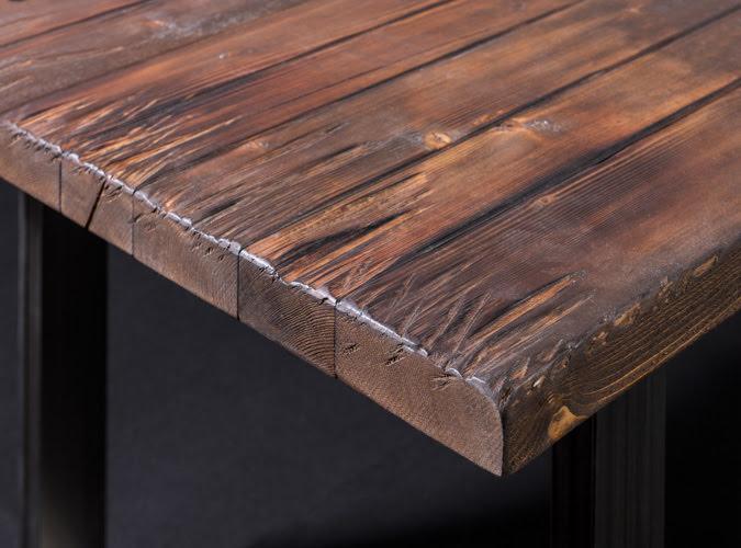 Tavolo vintage da soggiorno in legno invecchiato byron for Tavoli da soggiorno in legno