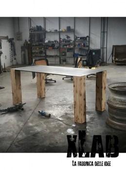 Tavolo Baron da soggiorno industrial design legno e acciaio