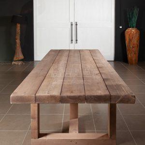 Tavolo in legno massello per taverna country chic Zeus