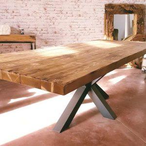 Tavolo da pranzo modello industrial design Monimoni