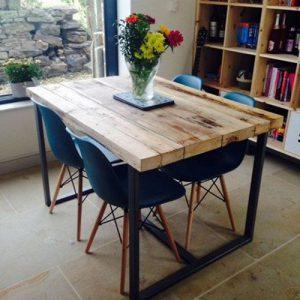 Tavolo da cucina di design in legno massello Wayne