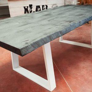 Norbert tavolo in legno massello effetto carbonizzato