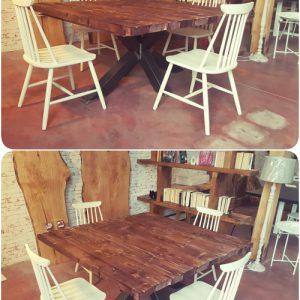 Tavolo da pranzo Cooper in legno massello con gamba centrale