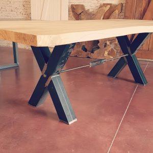 Tavolo da pranzo William industrial design in legno massello taglio tronco