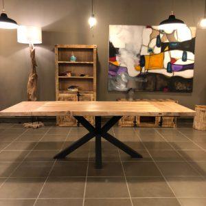 Tavolo allungabile in legno di castagno effetto rustico Joey