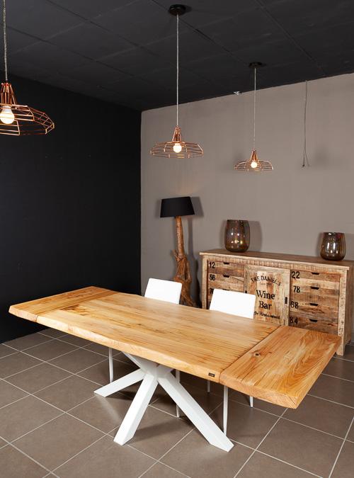 Tavolo allungabile in legno naturale di castagno stephen for Tavolo massello allungabile