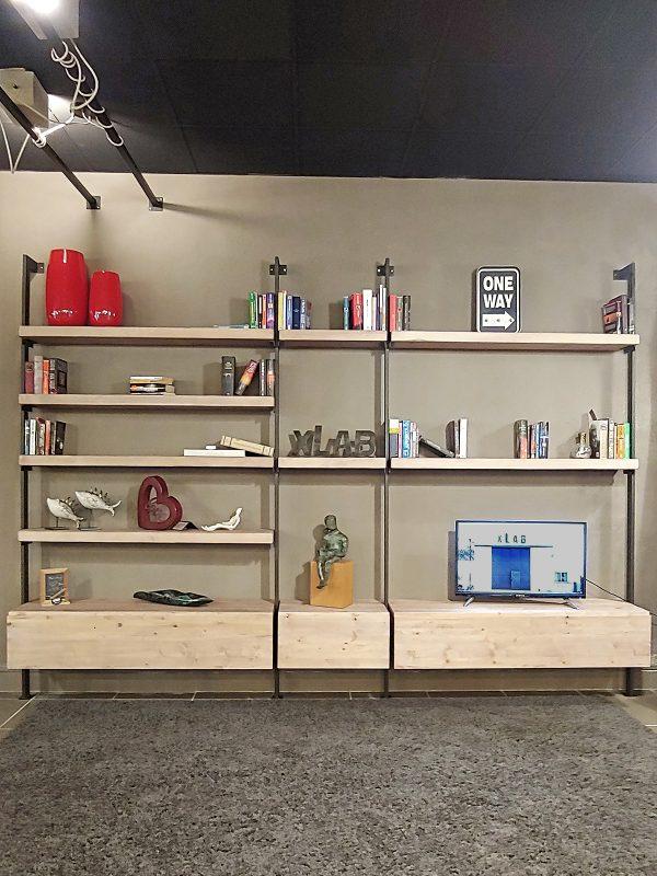 Libreria da parete di design stile moderno