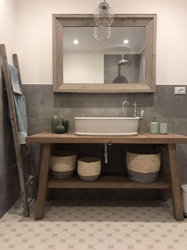 Mobile bagno in legno massello di castagno maggie xlab design for Mobile bagno minimal