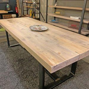 Tavolo in legno grezzo effetto rustico Thor
