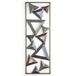 Decorazione da parete in metallo con triangoli 3D