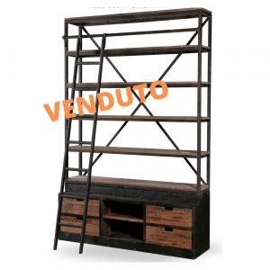 Mobile libreria stile industriale con scaletta in legno e ferro