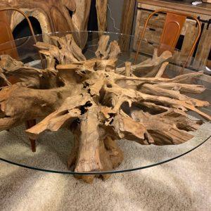 Tavolo in cristallo con radice di teak