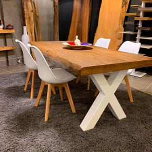 Tavolo in legno massello di rovere spazzolato con gambe in ferro Max