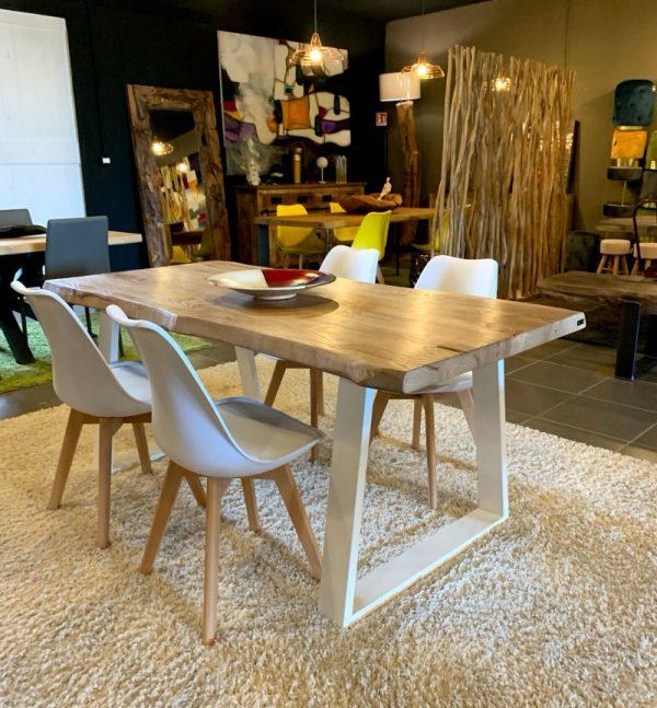 offerte tavolo in legno massello rustico con gambe in ferro trapezio bianche