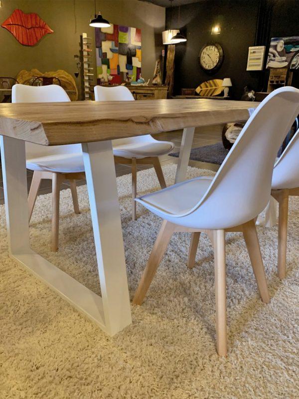 tavolo legno massello gambe ferro trapezio