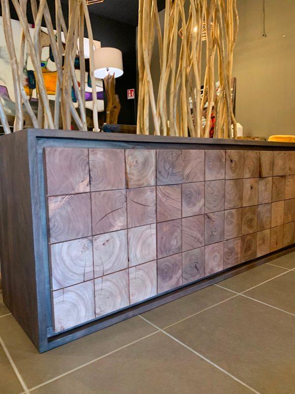 Credenza in legno esotico Aspen con 4 ante quadrettate