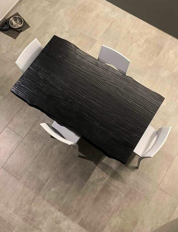 tavolo in legno massello colore nero