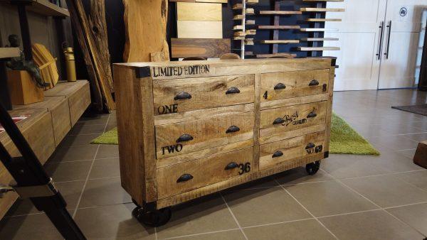 Credenza con 6 cassetti stile industriale Stanley in legno di mango