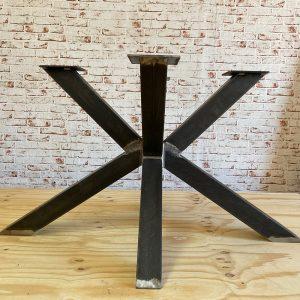 Gamba tavolo ferro design a stella centrale sez. 80/80 mm