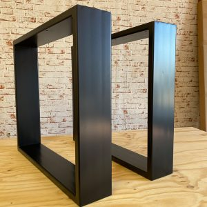 Coppia di gambe in ferro nero opaco 150/30 mm