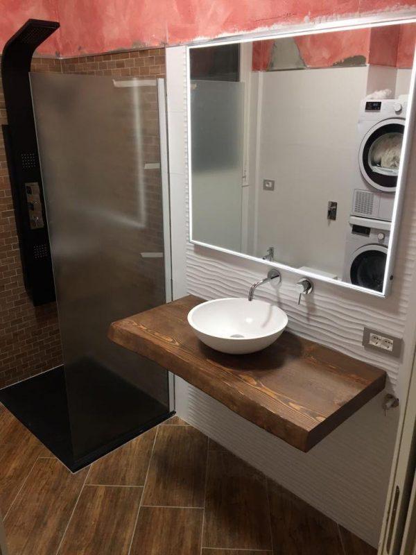 Mensola da bagno in legno di larice colore teak