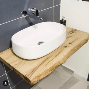 Mensola bagno piccola in legno massello di castagno colore naturale