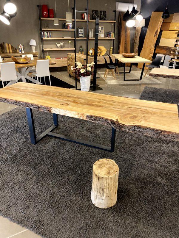 Originale tavolo da pranzo di design in legno massello di cedro