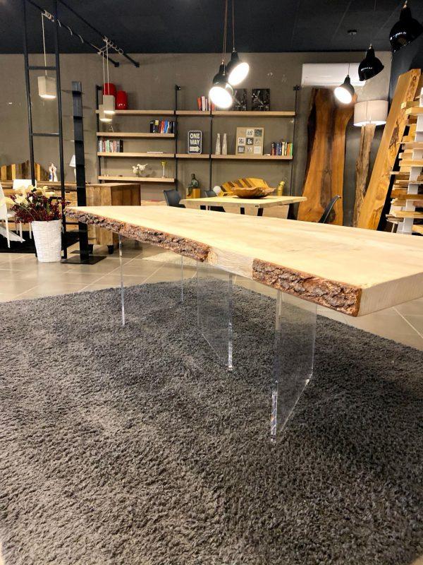 tavolo in legno massello cedro del libano con gambe trasparenti