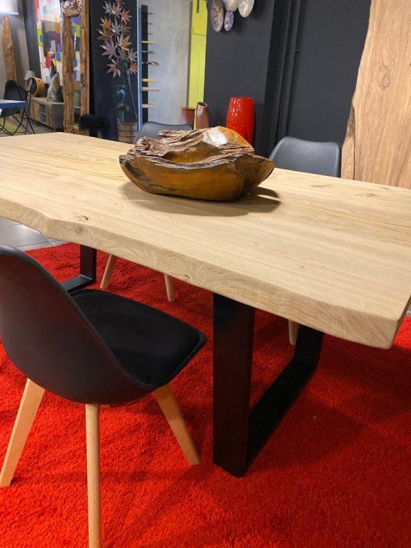 Tavolo da cucina rustico in legno di rovere massello nodato
