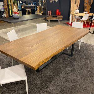 Tavolo da pranzo grande in legno massello di frassino Robert