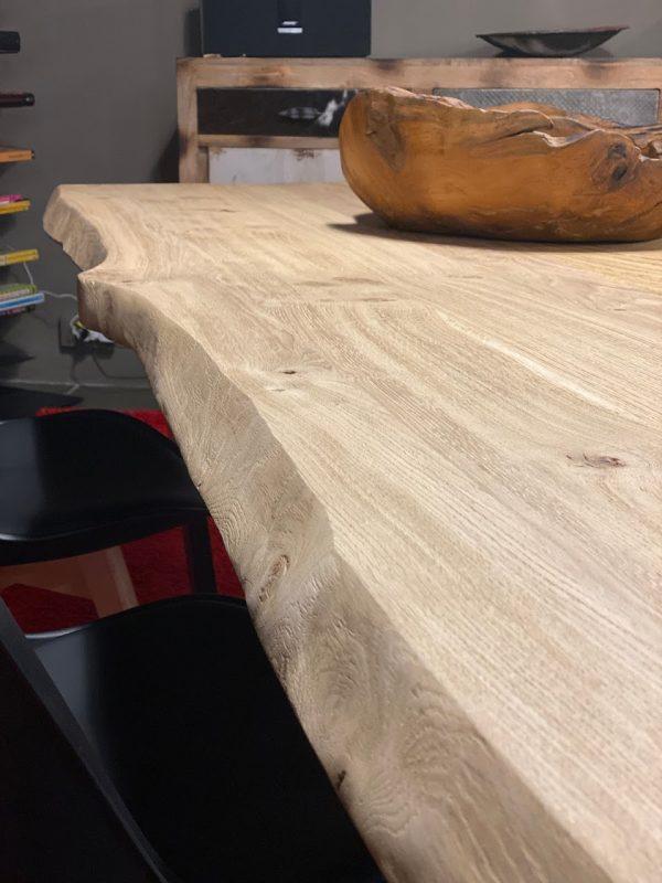 Bordo ondulato tavolo rovere massello effetto rustico nodato