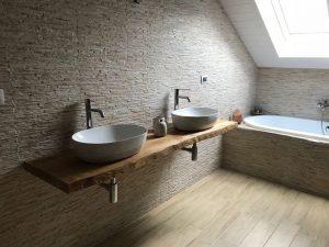 Mensola in legno massello di frassino per bagno