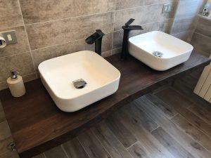 Mensolone bagno in legno di castagno finitura noce