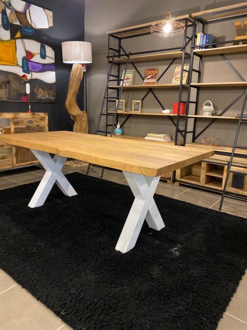 Tavolo in legno di rovere massello con gambe in ferro