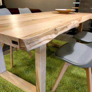 Tavoli sala da pranzo gambe in legno