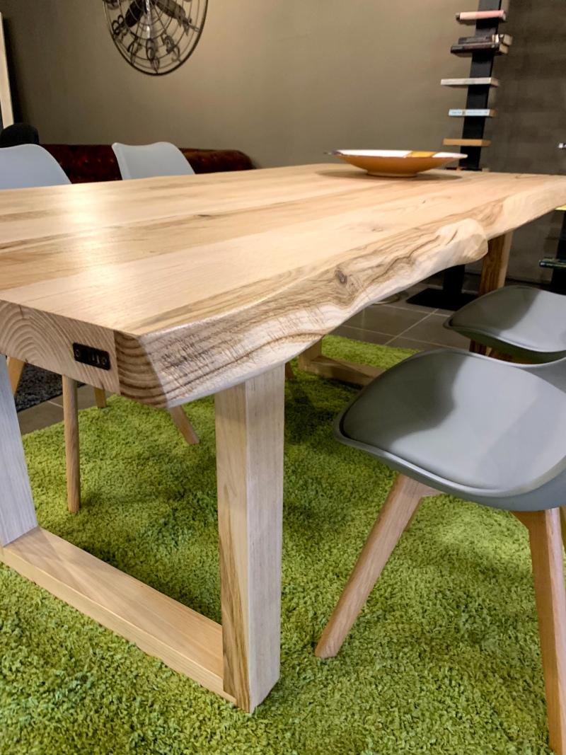 Tavoli sala da pranzo gambe in legno - XLAB Design